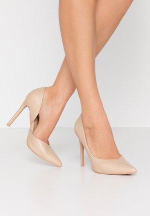 PEITRA - Zapatos altos - nude