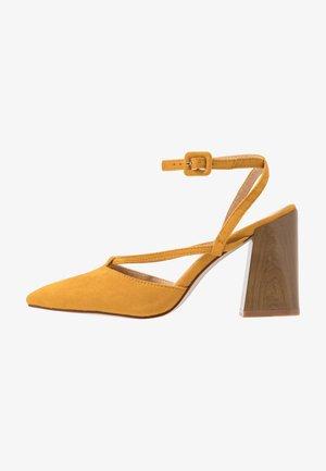 GINIA - Zapatos altos - mustard