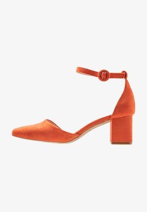 AYANA - Classic heels - rust