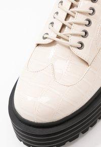 RAID - MALEAH - Šněrovací boty - off white - 2