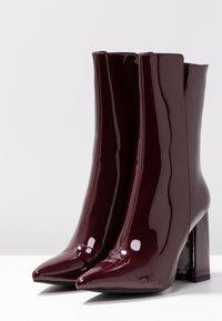 RAID - RILEY - Bottes à talons hauts - burgundy - 4