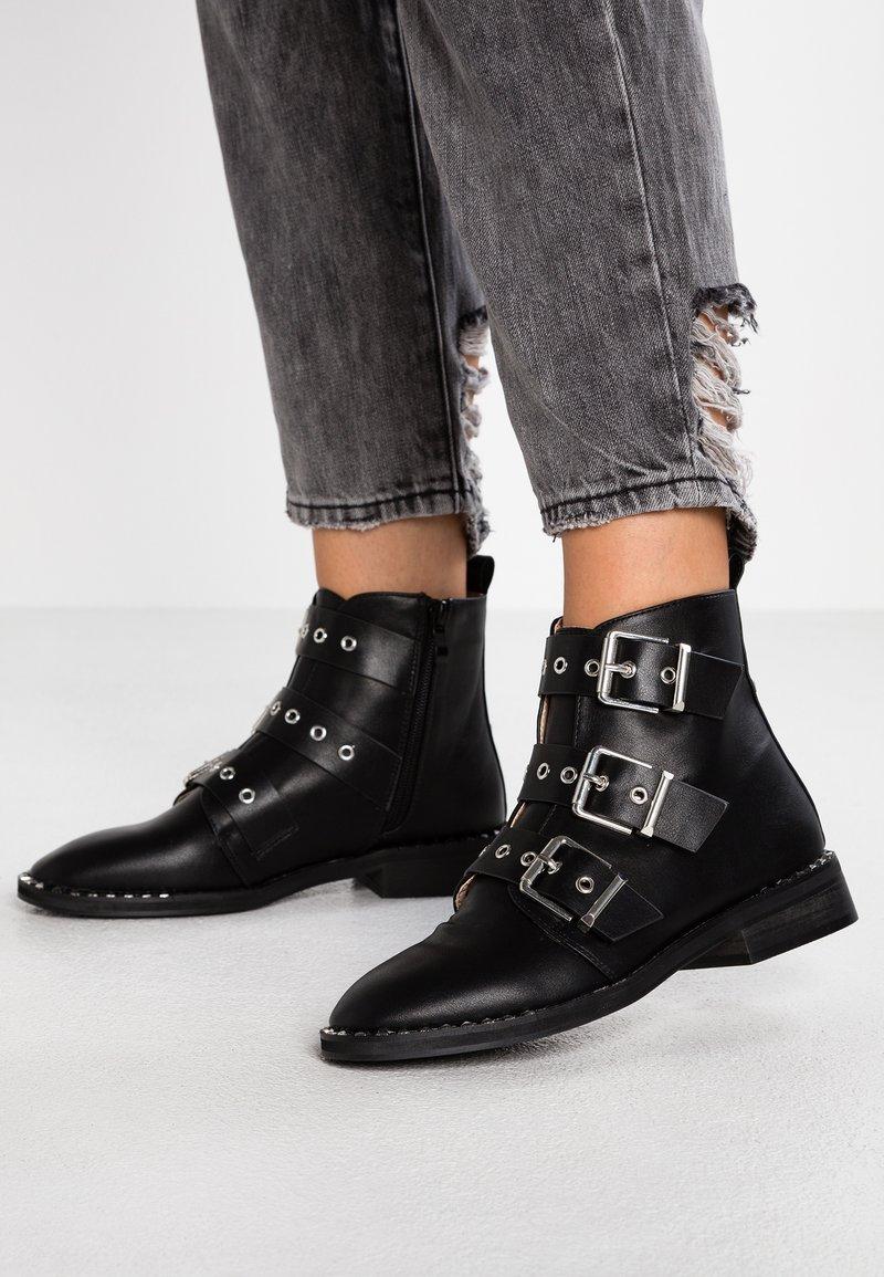 RAID - JACK - Kovbojské/motorkářské boty - black