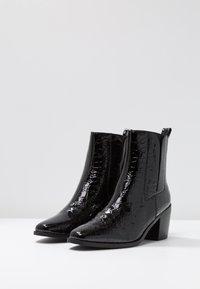 RAID - AMALIA - Kotníkové boty - black - 4