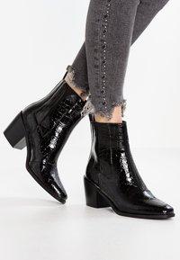 RAID - AMALIA - Kotníkové boty - black - 0