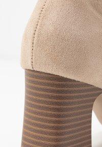 RAID - EVA - Kotníkové boty - nude - 2