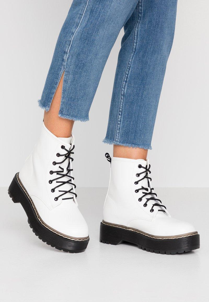 RAID - LINA - Platform ankle boots - white