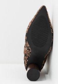 RAID - SIMONE - Botines de tacón - brown - 6