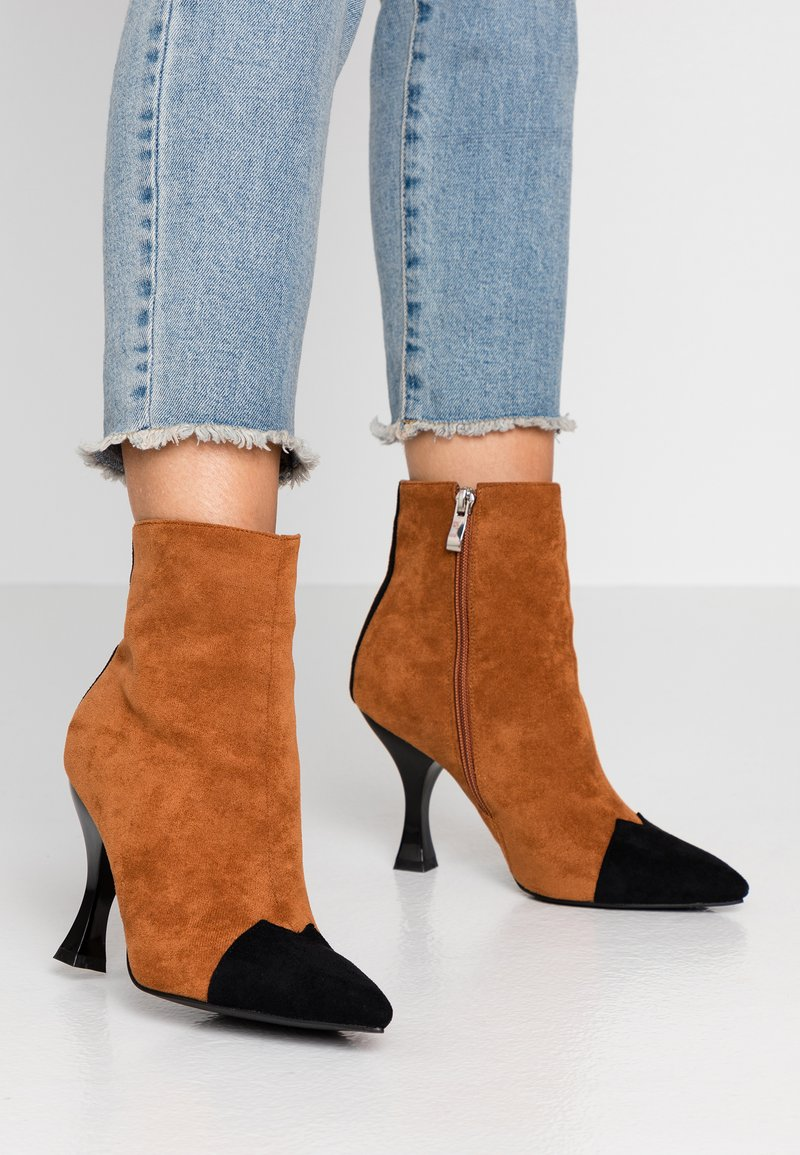 RAID - AILSA - High heeled ankle boots - black/tan