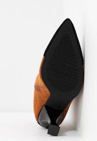 RAID - AILSA - High heeled ankle boots - black/tan - 6