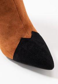 RAID - AILSA - High heeled ankle boots - black/tan - 2