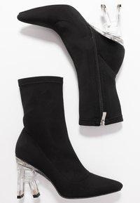 RAID - BRAZEN - Kotníková obuv na vysokém podpatku - black - 3