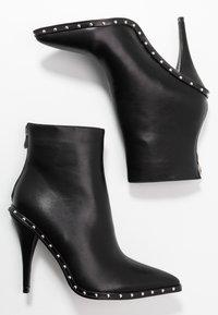 RAID - CATHY - Kotníková obuv na vysokém podpatku - black - 3