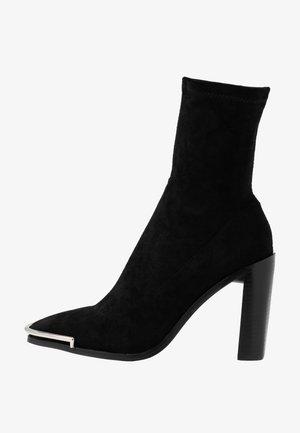 AMERIE - Kotníková obuv na vysokém podpatku - black