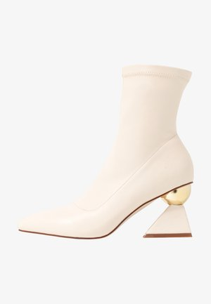 SALMON - Kotníkové boty - offwhite