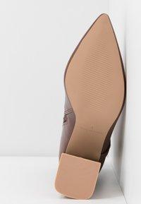 RAID - ELYSHA - Ankelboots med høye hæler - brown - 6