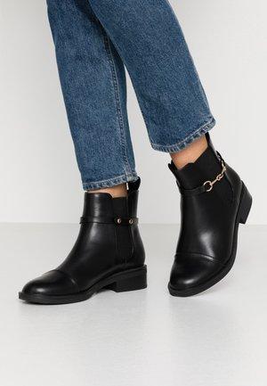 MARGARET - Kotníkové boty - black