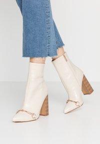 RAID - LAYLAH - Kotníková obuv na vysokém podpatku - nude - 0