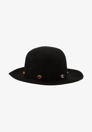 Hatt - black