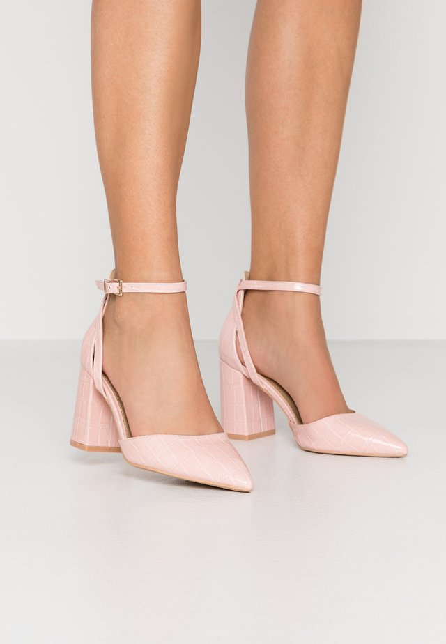 WIDE FIT KATY - Korolliset avokkaat - blush