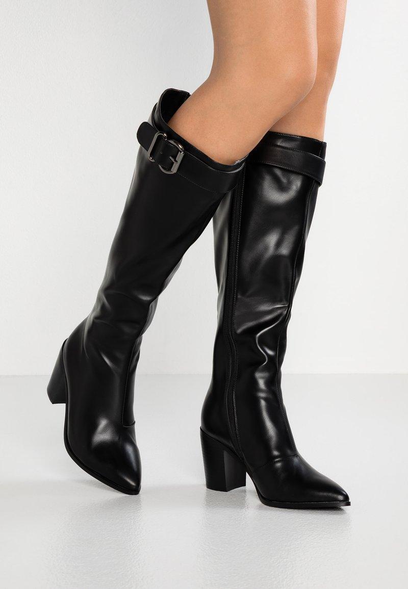 RAID Wide Fit - WIDE FIT MADELYN - High Heel Stiefel - black