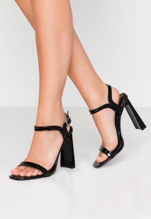 WIDE FIT EMILEE - Sandaler med høye hæler - black