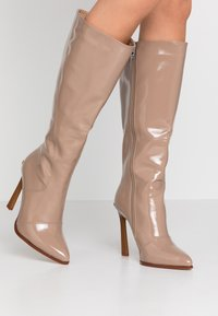 RAID Wide Fit - WIDE FIT ARIA - Boots med høye hæler - taupe - 0