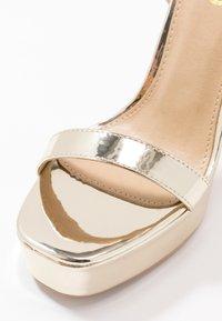 RAID Wide Fit - WIDE FIT GIANNA - Sandalias de tacón - gold metallic - 2