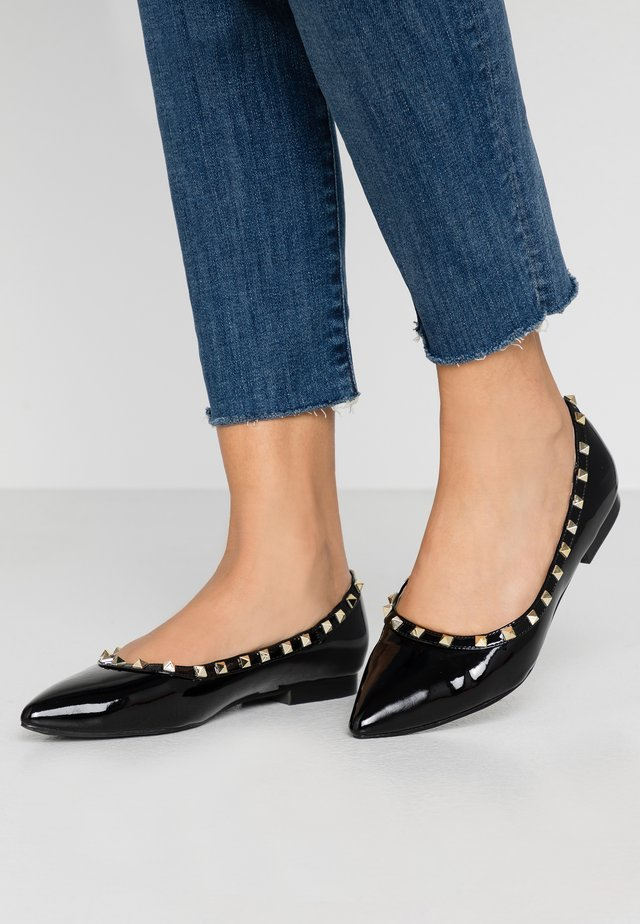 WIDE FIT EAVIE - Ballet pumps - black
