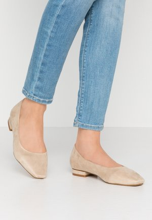 WIDE FIT TRACY - Ballet pumps - nude
