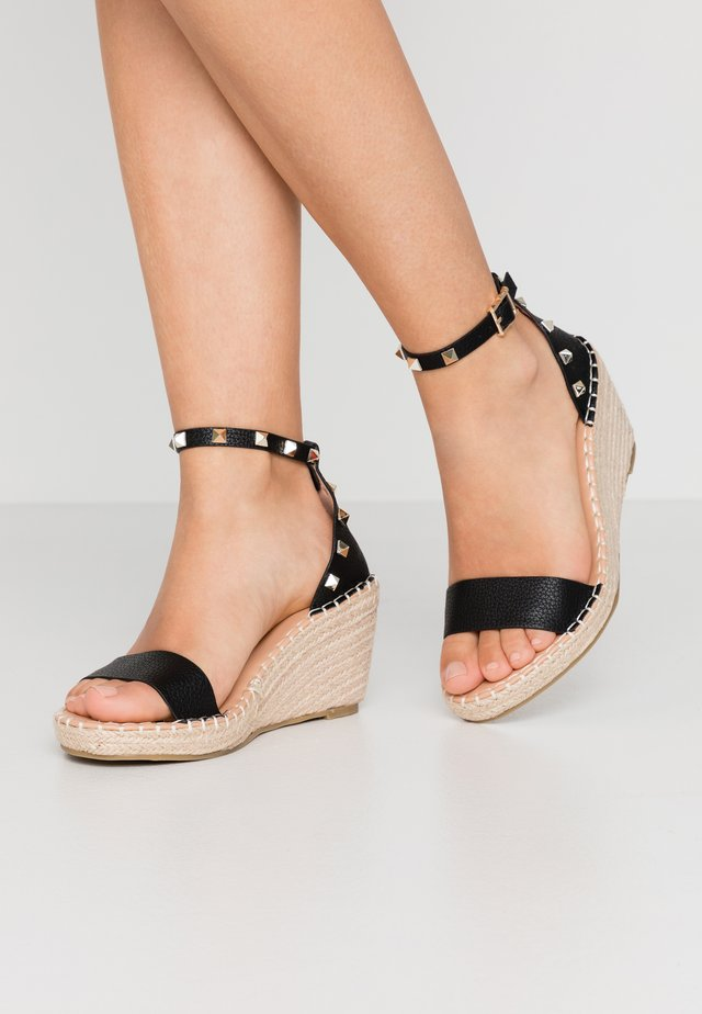 WIDE FIT TAMSIN - Espadrillot - black