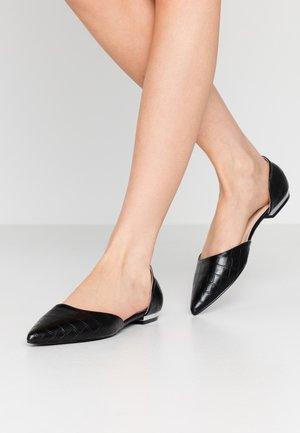 WIDE FIT AMY - Ballet pumps - black