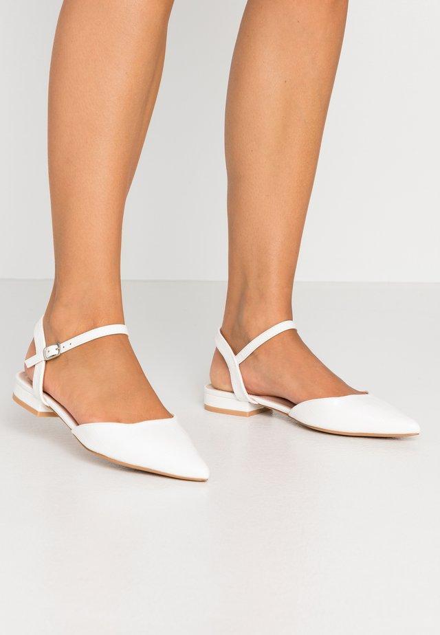 WIDE FIT BONITA - Sandaler - white
