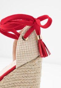 RAID Wide Fit - WIDE FIT DORIAN - Sandály na vysokém podpatku - red - 2