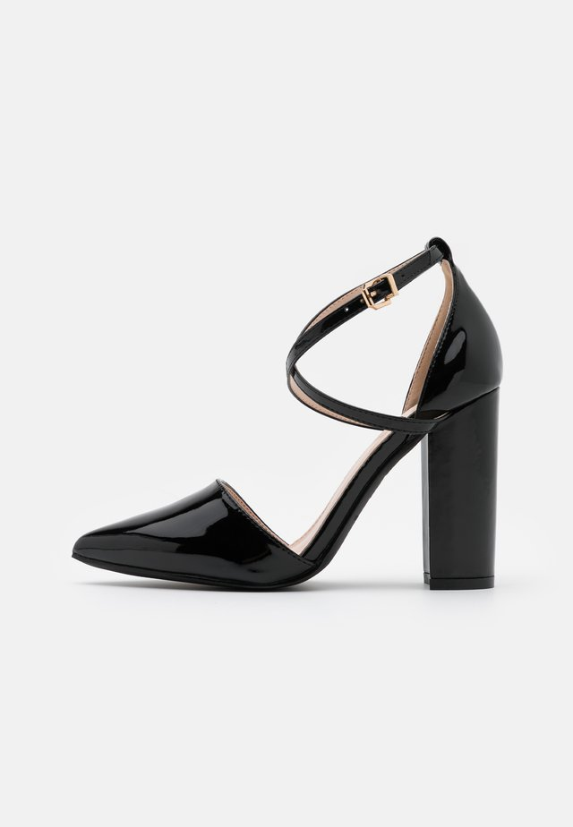WIDE FIT KATY - Classic heels - black