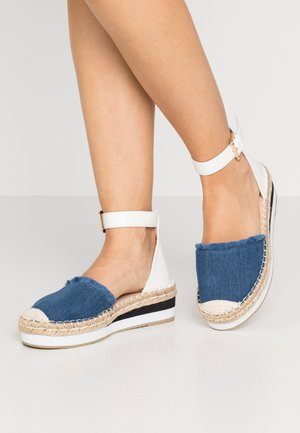 WIDE FIT VIOLET - Espadrilky - denim/white
