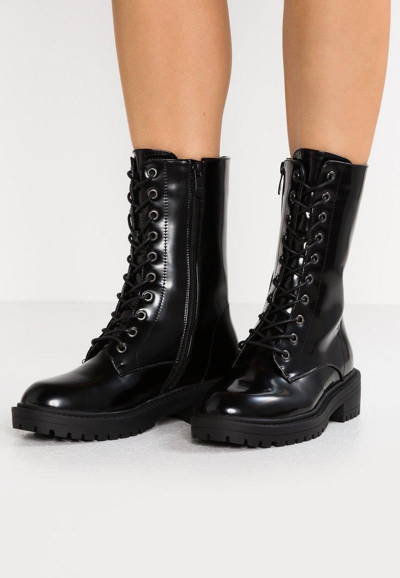 RAID Wide Fit - WIDE FIT LUDO - Platform boots - black