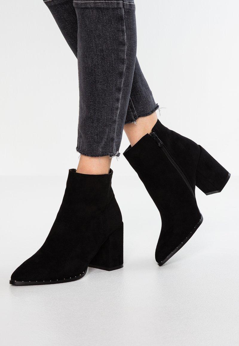 RAID Wide Fit - WIDE FIT MORGAN - Kotníková obuv - black