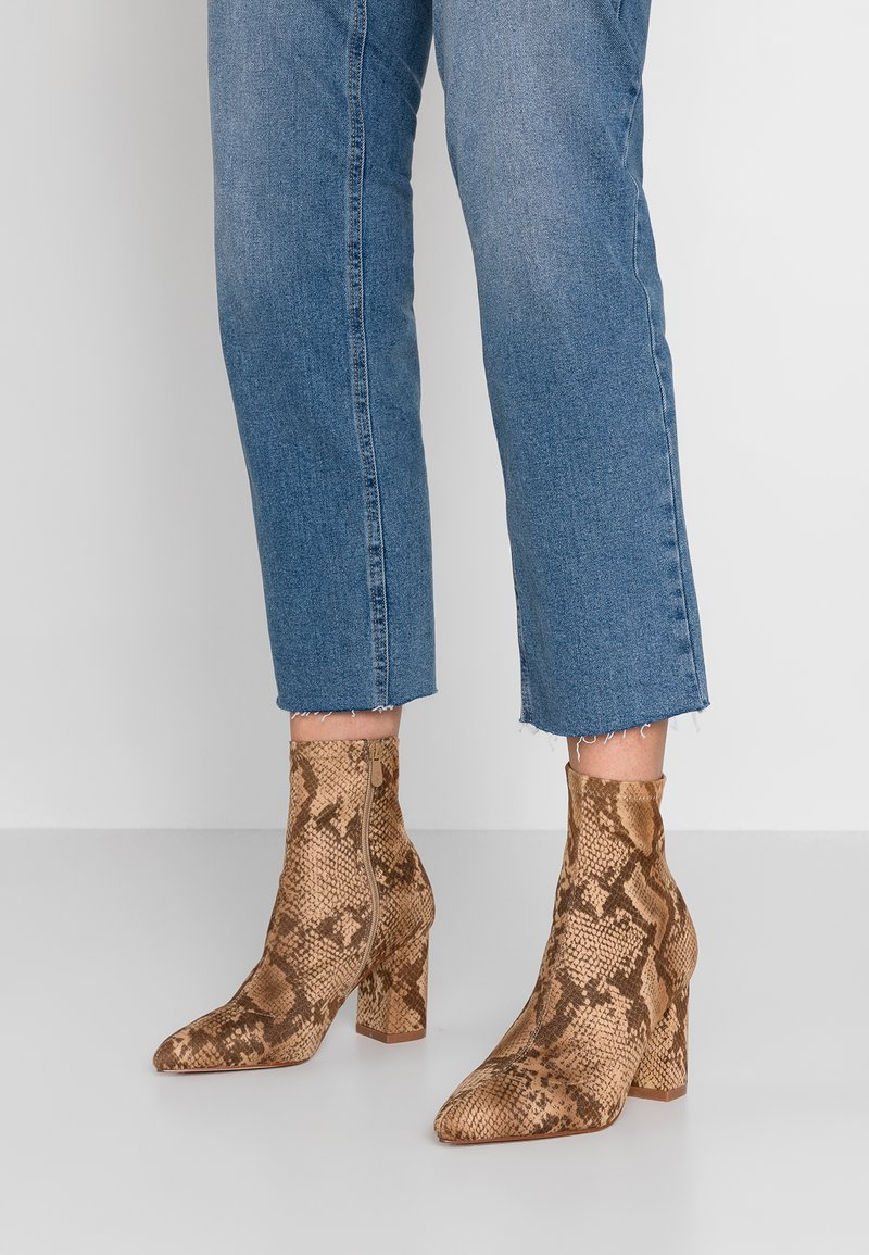 RAID Wide Fit - WIDE FIT JAKE - High heeled ankle boots - brown