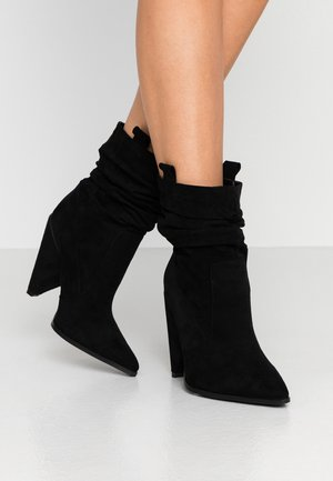 WIDE FIT TAFTON - Bottines à talons hauts - black