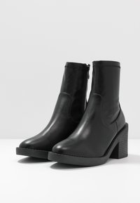 RAID Wide Fit - WIDE FIT TATUM - High heeled ankle boots - black - 4