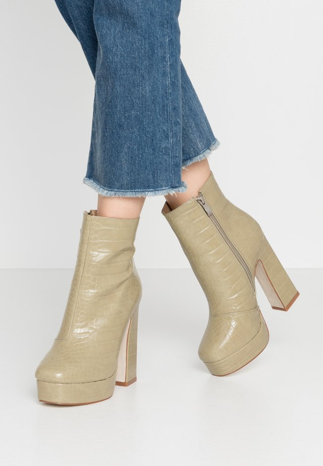 WIDE FIT HATTIE - High heeled ankle boots - sage green