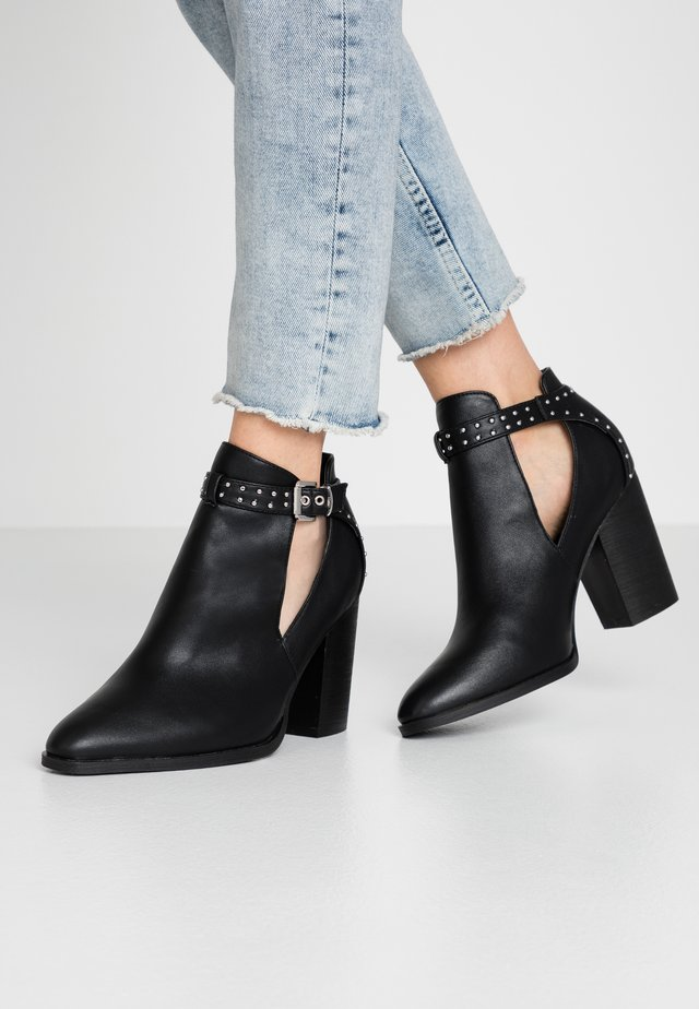 WIDE FIT  - Bottines à talons hauts - black