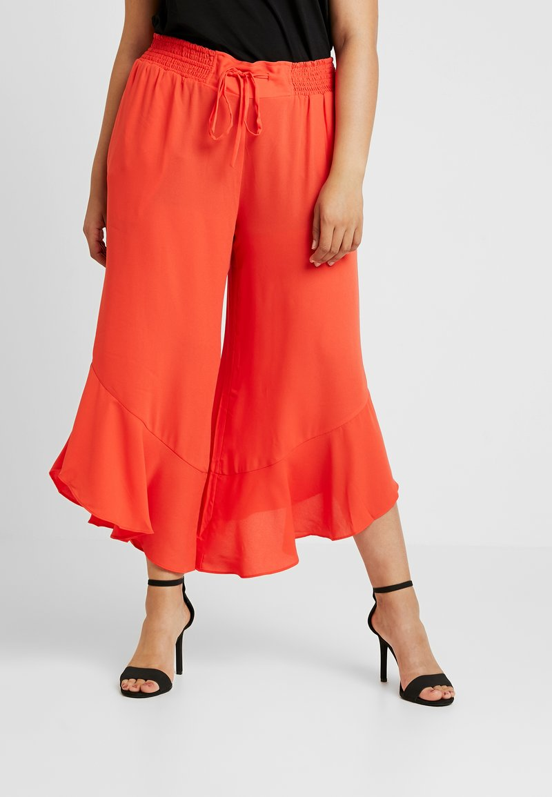 RACHEL Rachel Roy Curvy - EXCLUSIVE GIORGIA RUFFLE PANT - Trousers - radiant red
