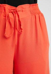 RACHEL Rachel Roy Curvy - EXCLUSIVE GIORGIA RUFFLE PANT - Trousers - radiant red - 5