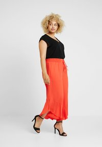 RACHEL Rachel Roy Curvy - EXCLUSIVE GIORGIA RUFFLE PANT - Trousers - radiant red - 1