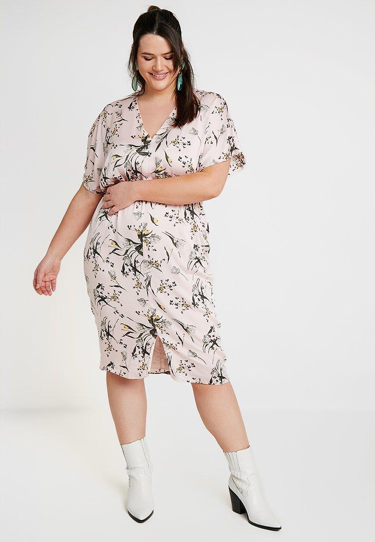 RACHEL Rachel Roy Curvy - EXCLUSIVE CAIT DRESS - Day dress - rose