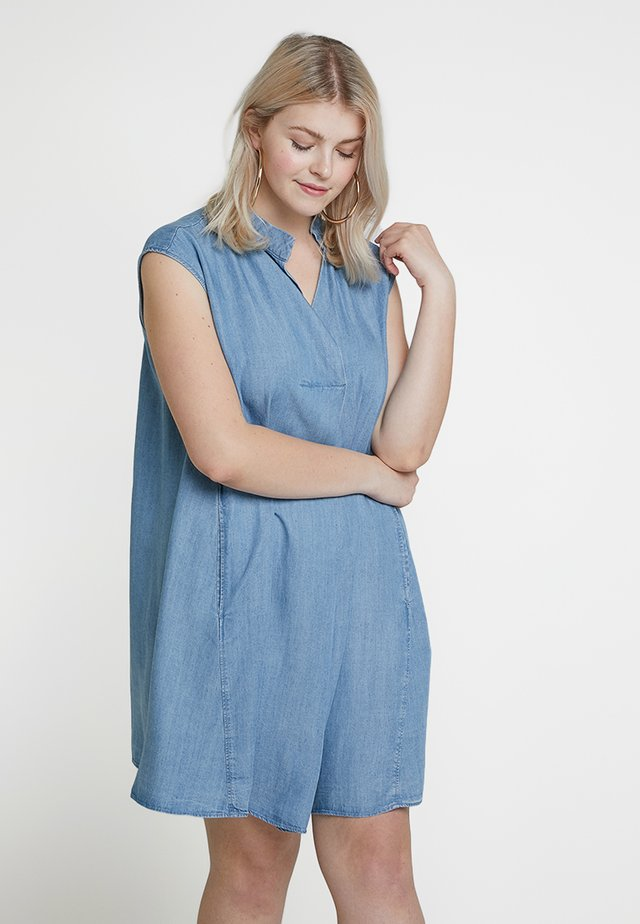 EXCLUSIVE HARPER DRESS - Denim dress - chambray