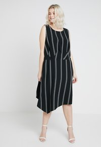 RACHEL Rachel Roy Curvy - EXCLUSIVE RACHEL ROY RINA STRIPE DRESS - Day dress - black/white - 0