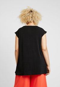 RACHEL Rachel Roy Curvy - EXCLUSIVE BINA CROPPED V NECK - Basic T-shirt - black - 2