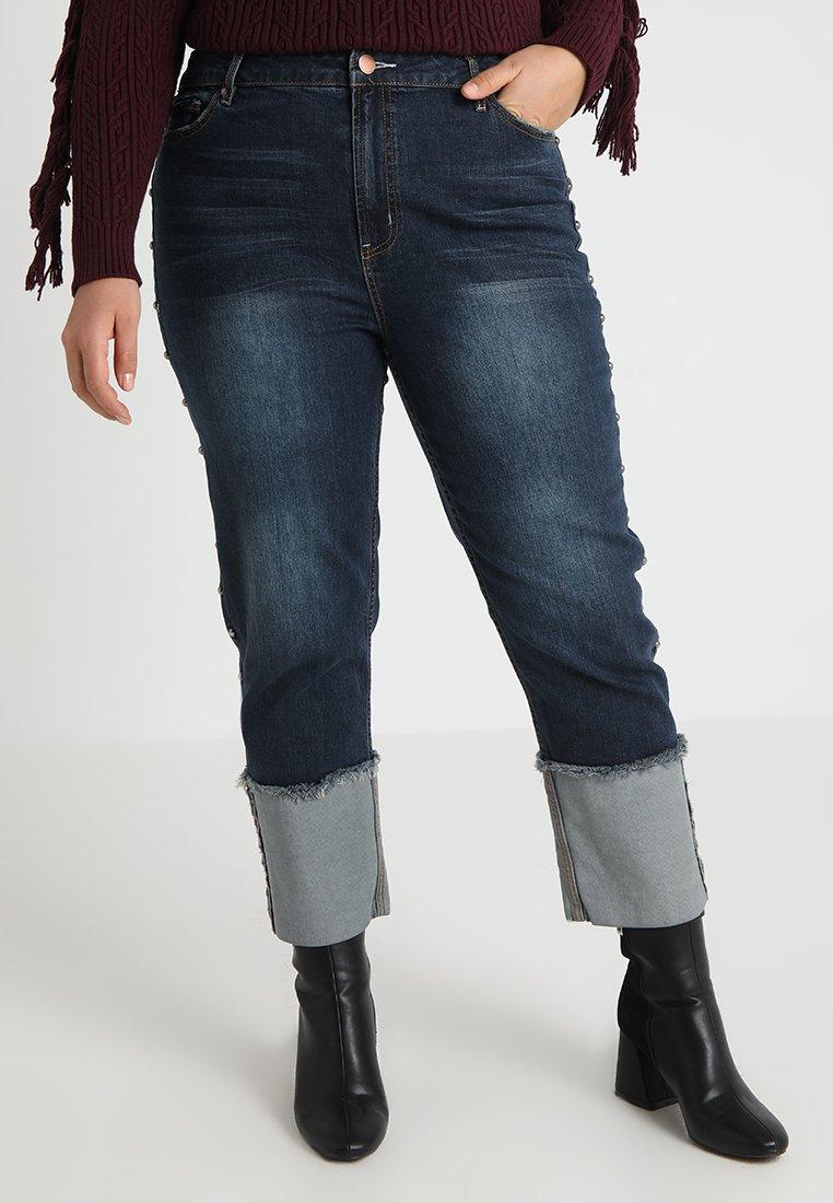 RACHEL Rachel Roy Curvy - EXCLUSIVE STUD SPLIT HEM - Jeans Straight Leg - blue denim